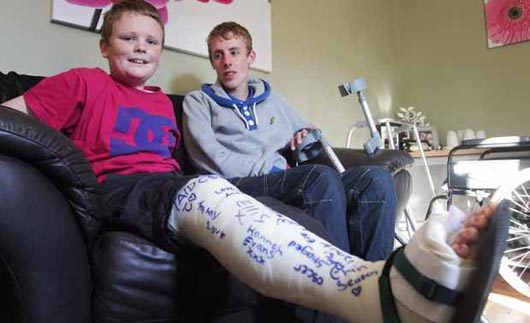 teen-recovering-at-home-after-being-injured