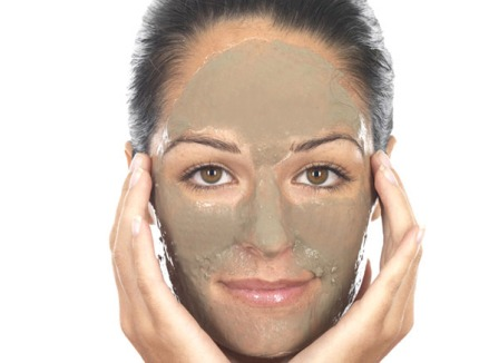 Multani Mitti and Sandalwood Face Pack