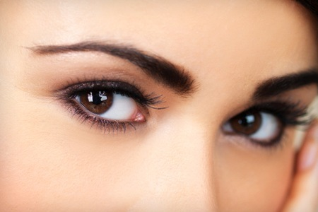 almond shaped eyes makeup