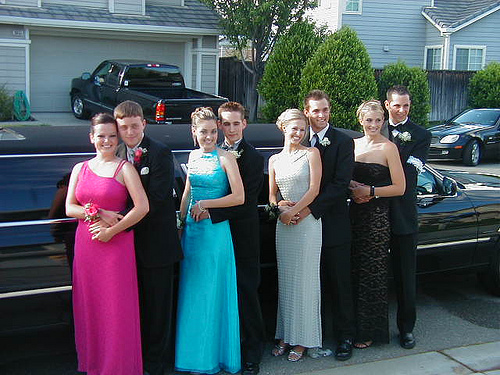 Rent A Luxury Limo To Make Your Prom Night Perfect