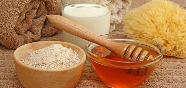 Oatmeal and Almond Exfoliating Body Mask