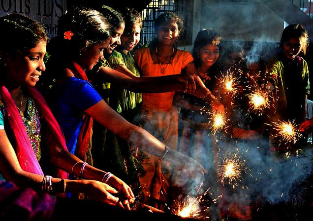 DIWALI- WITH-POOR