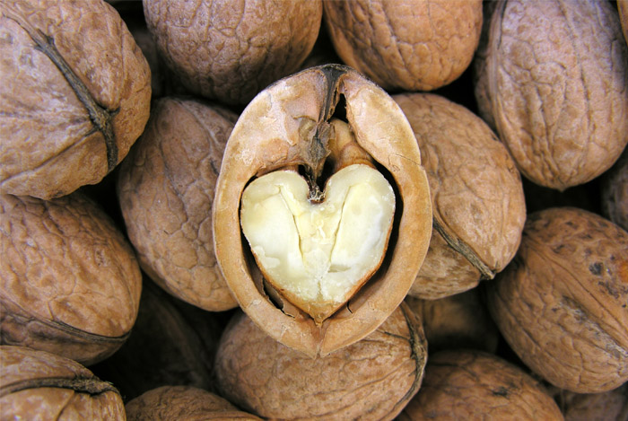 walnuts heart
